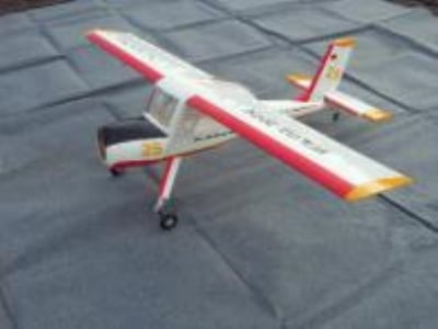 Avion East Rc Model Wilga 88 35cc blanc et rouge ARF env.2.25m